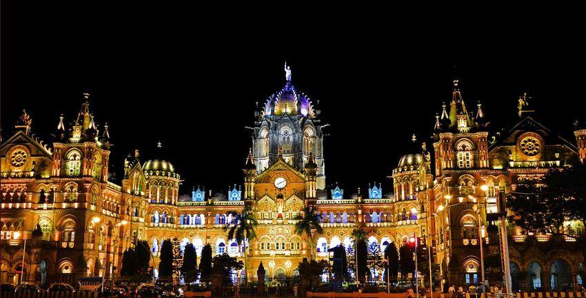Cities At Night Mumbai MumbaiDiaries Mumbaimerijaan Mumbai_igers Mumbai_in_clicks Chatrapatishivajiterminus CST Centralrailway Centralrailwaystation Lights Night Lights Night Life Architecture