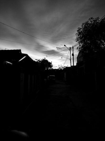 Siluet evening Black, Grey And White Dag Dark Stories Dark Tells Lonely Darkness Ghost Town Mistery Atmosphere Suram Wanna Die Dark, Clouds And Light Bad Day Siluet Evening Dark Spooky Pixelated Sky Architecture Cloud - Sky Dramatic Sky Storm Cloud Moody Sky Atmospheric Mood Cumulonimbus First Eyeem Photo