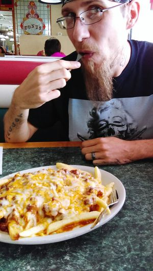 Hanging Out My Love ♡ Cheese! Chili Cheese Fries Food Huge!! Taking Photos Tony Restrant Michigan 2016♡ Enjoying Life My Guy Bestfriend ❤✌ Summer ☀ Cheese! Check This Out