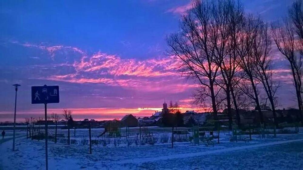 Beautiful Sunrise Beautiful Views Beautiful Nature Snow ❄ Winter Morning