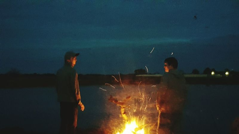 Firelight The Portraitist - 2016 EyeEm Awards Hanging Out Hello World Cheese! Enjoying Life Night Photography Bondfire Family Pond Fire Silloutte Check This Out Serene Outdoors Country Life Fire Sillouettes