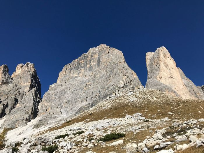Le Tre Cime di Lavaredo Dolomiti Sky Nature Clear Sky Low Angle View Blue Beauty In Nature Tranquility Day Rock Tranquil Scene Mountain Scenics - Nature Land Outdoors