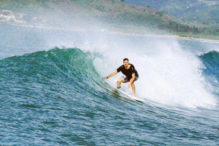 Surfer. Travel
