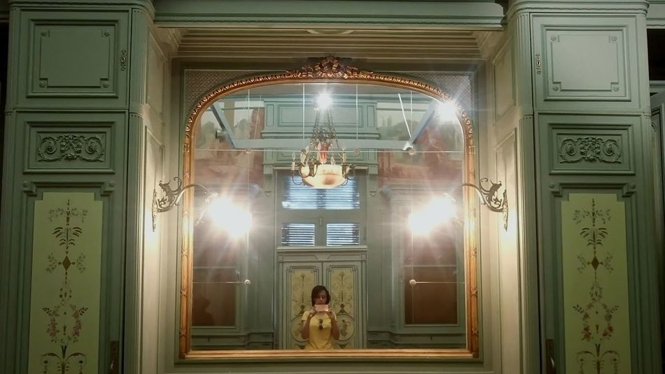 Selfie ♥ Selfıe Mirror Dressing Room Mirrorselfie Miroir Palace Palais Vintage Vintage Furniture Vintage Style Chandelier Lamp Interior Design Cairo Old House