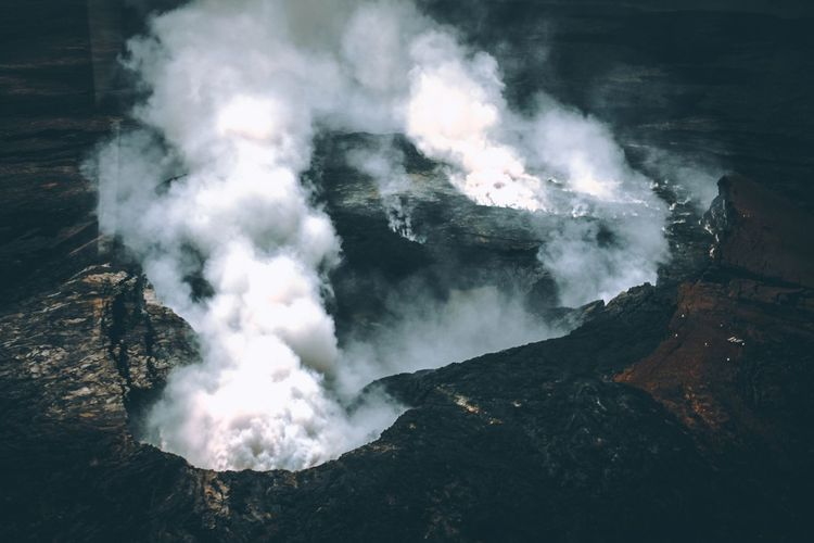 Kilauea volcano. Power In Nature Nature Outdoors Motion Beauty In Nature Erupting Scenics Scenery Inspirational Moment View From Above Exploring Adventure Travel Destinations Wanderlust Canonphotography Canon Perspectives On Nature
