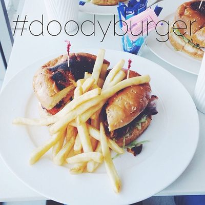 Because instagramming food is 365% necessary. Doodyburger Food Thuglyfe Themiracleofbirth @joeymiddleton @keanu_parker