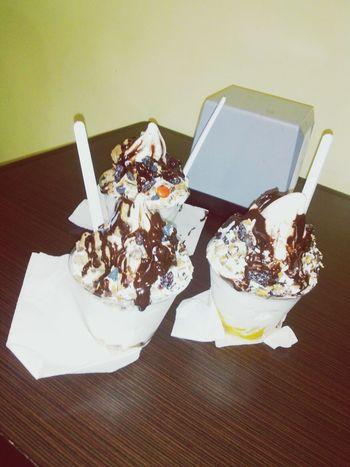 deliiii Ice Cream Friends Food Enjoying Life