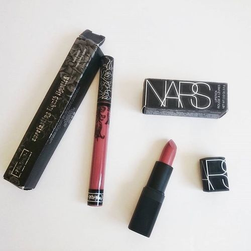 Yess 😄 I received new KatVonD  Liquidlipstick in Lolita and NARS Cosmetics Lipstick in Pigalle 💄 💋 makeup