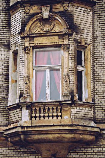 Balcony Curtains DoorsAndWindowsProject Oldhouse Tenement Houses Window Window Frame