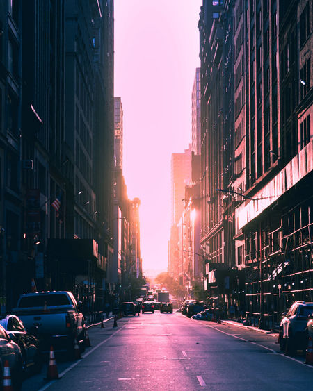 24mm 43rd Manhattan NYC NYCEASTSIDE Perspective SONY A7ii StreetVisions Instaphoto Newyorkphotography Photographyislife Photographyoftheday Streetphotography Sunset Urbanlife Urbanphotography