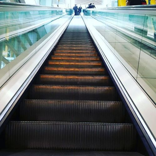 Going up or going down? Travelling Frequentflyer Londontoseattle Heathrowairport