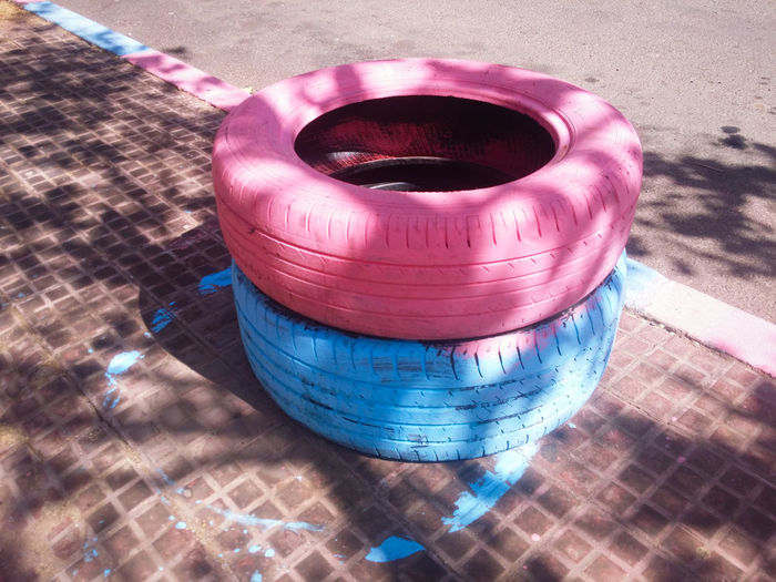 Delicious Good Year 😋 Tyre High Angle View Street Art On The Road Streetphotography Pink Blue Pınky Pinkish Caught My Eye MnM MnMl Mnmlsm Minimalism Minimal Minimalistic Minimalmood Minimalist Minimalobsession Minimalart Minimalarchy Mobilephotography Shootermag
