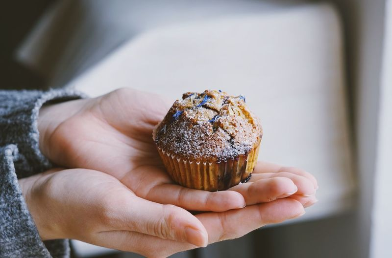 Muffin love Hand Human Hand Human Body Part Holding One Person Real People Body Part Unrecognizable Person Food And Drink Human Finger Temptation Freshness