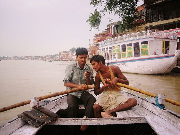 River Riverside Boating Check This Out Celular Telling Stories Differently Friends Friendship Mobile Phone People People Photography People And Places Gossip India Mobile Conversations