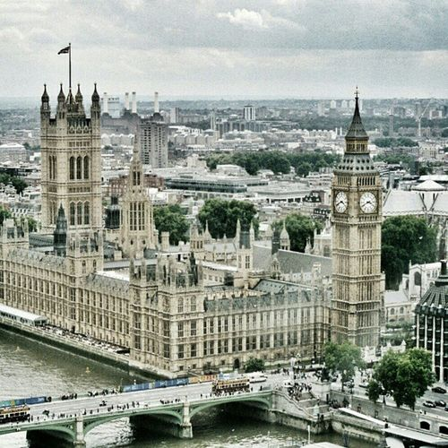 Westminster Abbey. #Westminster #abbey #westminsterabbey #bigben #London #city #architecture #sight #canonae1 #canonae1program #slr Architecture City Sight London Westminster SLR Abbey Bigben Hot_shotz Amazigram Instagood_germany Canonae1program Canonae1 Westminsterabbey