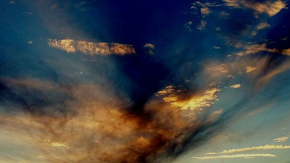 Sky Cloud - Sky Sunset No People Outdoors Illuminated Day Cloud Goddess Deity's Watchdog Samsungphotography Grim Reaper  Escape From Reality Armageddon Hello World Taking Photos Tranquility Mystical Autumn Collection