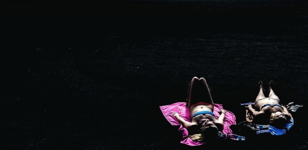 Black Sand Black Sand Beach Sunbathing Sunbathing☀ Sunbathingtime Sunbathing On The Beach Sunlight Lightanddarkness Light And Darkness  Light And Dark Light And Dark Spaces Bq Aquaris X 3XSPUnity Black Background Womenswear
