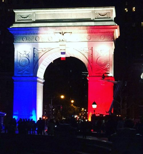 Washington Square Park, Praying to Paris