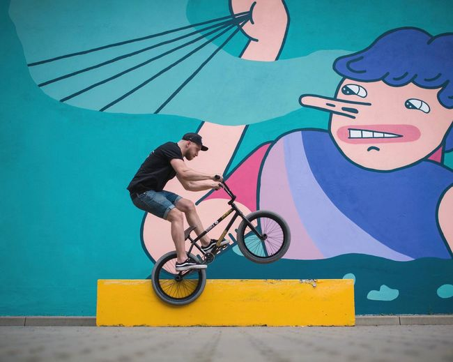 Bicycle Street Art Fun Riding Outdoors City Skateboard Park Youth Culture One Person Young Adult Men Day People Adult Bmx  Bmxlife Breathing Space EyeEmBestPics EyeEm Best Shots EyeEm Best Edits EyeEm Gallery The Week On Eyem EyeEm Selects City Poland Your Ticket To Europe Paint The Town Yellow Adventures In The City
