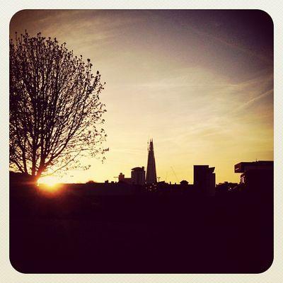 London Sunset #igcurator #gf_uk #london #uk #ubiquography #photooftheday #earlybirdlove #instacanvas #iphoneography #ebstyles_gf #jj_forum #jj #theshard #three #sunset Ubiquography Igcurator Sunset Ebstyles_gf IPhoneography Gf_uk London Sunset_madness_silhouette_01 Three Uk Photooftheday Instacanvas Theshard Jj  Earlybirdlove Jj_forum Sunset_madness