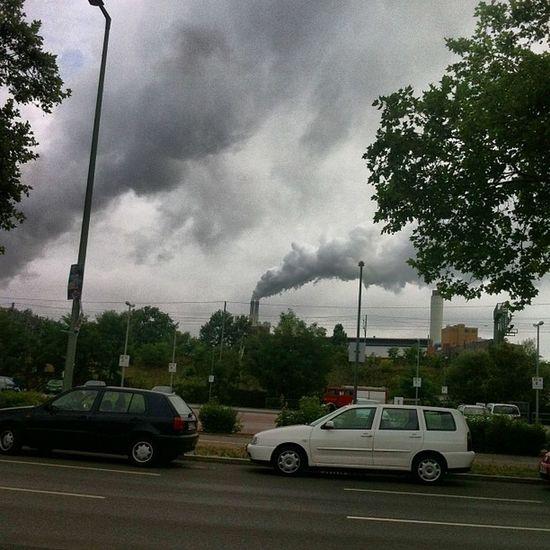 Sorumlu yine sensin termik santral :-)) 24 saat bulut üretiyorsun