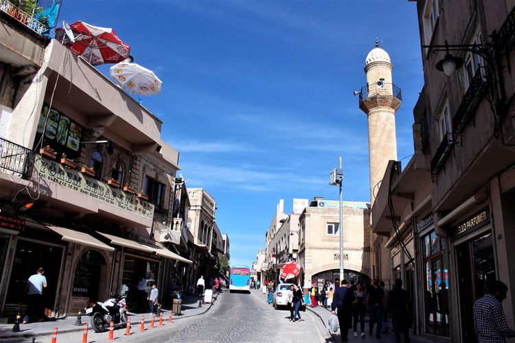 Architecture Building Exterior Built Structure Sky Street City Outdoors Day Large Group Of People Low Angle View Real People Men People Adult Mardin Mardin çarşı Turkeyphotooftheday