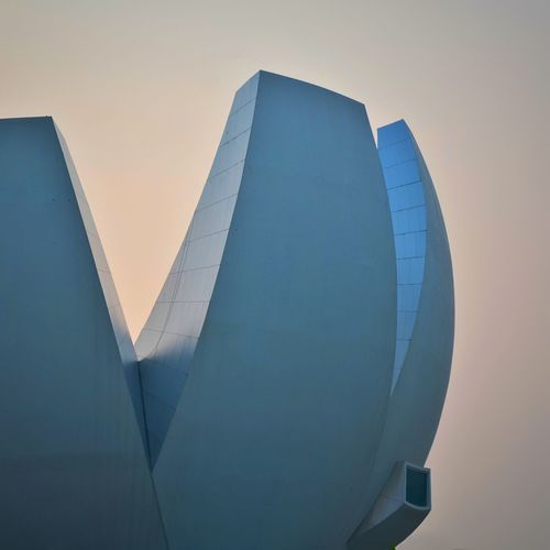 LOTUS Square Mosche Safdie Moschesafdie ASIA Sunset Moody Sky Mood Buildings & Sky Building Exterior Built Structure Beautiful ArtScience Museum Artsciencemuseum Minimal Minimalism Pastel Colors Pastel Museum Lotus Flower Lotus Singapore Modern Architecture Architecture Building Exterior Low Angle View Sunset Modern The Graphic City The Architect - 2018 EyeEm Awards