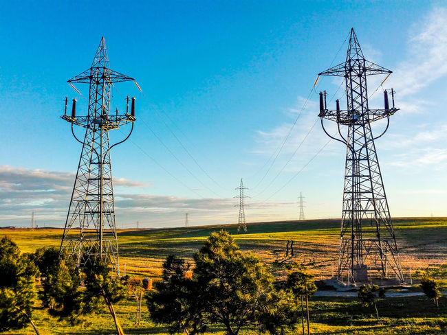 The Great Outdoors With Adobe The Great Outdoors - 2016 EyeEm Awards Wires Wires In The Sky Check This Out Electric Wire Electricity Tower Electric Lines Simetrics Simetrical Madrid Lagavia Walking Around EyeEm Gallery Two Is Better Than One