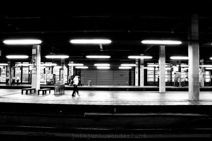 흑백 모노 역 Station Human Monochrome ホーム 駅 ひと