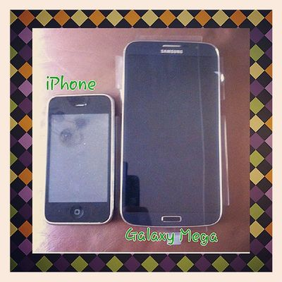 Can you see the difference?:P IPhone SamsungGalaxyMega Android Apple samsung