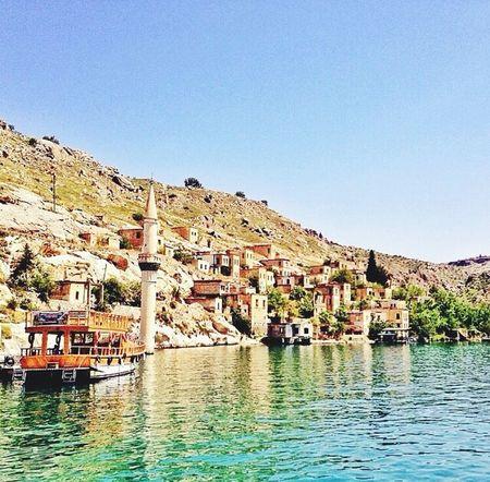 Kurdish Diyarbakır Munzur Kurd çay Gemi Gunes Türkiye Turkey