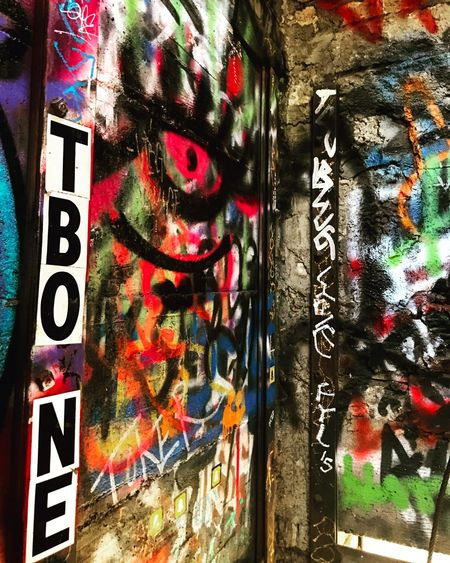 Text Communication Multi Colored No People Day Close-up Outdoors Graffiti Graffiti Art Adventure Hiking Beautiful Tourism Art Colors Colorful Naturelovers Love Places Architecture ArtWork Graffiti Wall Zoo Color Portrait Losangeles