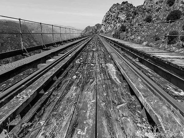 Ruta La Fregeneda — Barca D'Alva Abandonado Abandoned Paisaje Landscape Tren Train Senderismo Hiking Total_bnw Total_bridges Blancoynegro Blackandwhite Photooftheday Instagram Instagramers Igramers Igramersmadrid Bnw_captures Bnw Ok_bnw Bnw_just