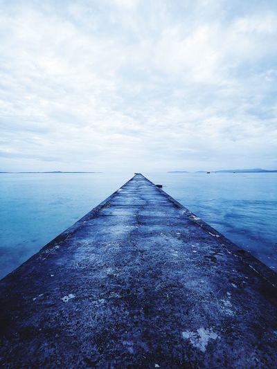 iko sanbashi pier 伊古桟橋 黒島 Kuroshima Okinawa Yaeyama 伊古桟橋 Pier Seaview Japan Okinawa Kuroshima Water Sea Beach Blue Sand Sky Horizon Over Water Landscape Cloud - Sky Wave Calm