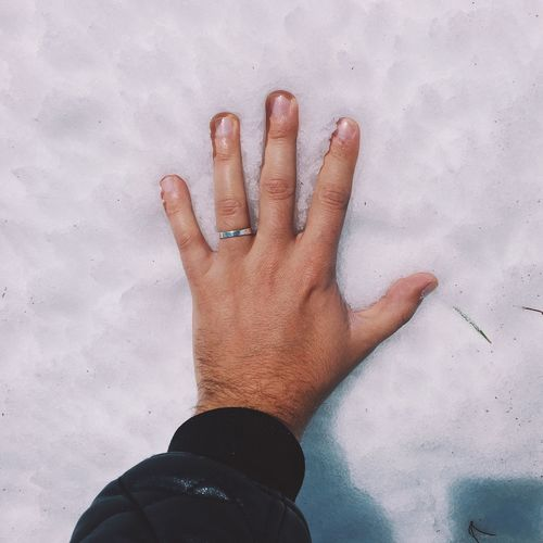 Original Experiences Feel The Journey Snow Cold Winter First Snow Feel Frozen Hand Feeling Blue White Resist TCPM Place Of Heart