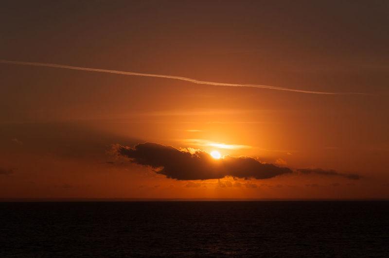 Sun rays behind