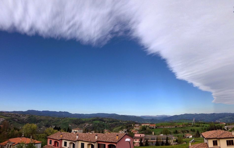 Broken Sky Clouds Fantastic Hello World Check This Out Spettacolo Nuvole