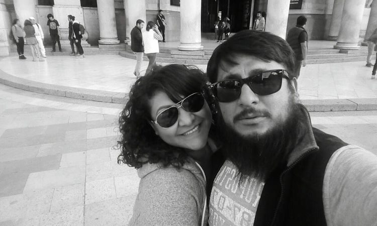 Amor, me cuesta creer que te haya encontrado. Pero aquí estás, aquí estoy... Aquí estamos; juntos y amándonos y siendo felices. #palace #BellasArtes #arquitecture #CDMX #vacations Sunglasses Fashion Two People