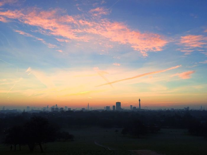 Sunrise over London from P R I M R O S E H I L LLondonnPrimrose HilllPrimrose Hill ParkkPrimrose Hill Londonn Sunrise Sunrise_Collection Sunrise And Clouds Sunrise - Dawn London Eye The Gherkin The Secret Spaces EyeEmNewHere Lost In The Landscape