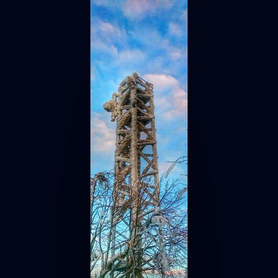 Winterwanderung auf die Lausche ,mit Blick auf das Zittauergebirge ,an der Grenze zwischen Deutschland und Tschechien picoftheday picofmyday sunrise sunshine beautiful instanature instashot followme frozen Ice snow winterwonderland funk media