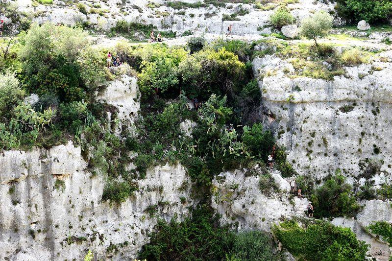 La discesa verso la grotta dei Pipistrelli #sicily #Mountains #rocks #trekking #Nature  NecropolidiPantalica High Angle View Close-up