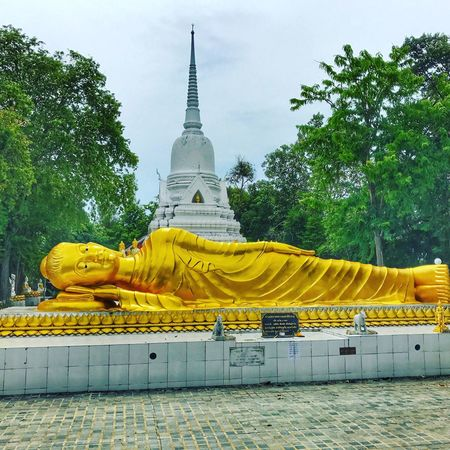 Religion Spirituality Statue Sky Human Representation Sculpture Gold Colored Tree Architecture Place Of Worship History Yellow Built Structure No People Travel Destinations Golden Color Day Outdoors Nature
