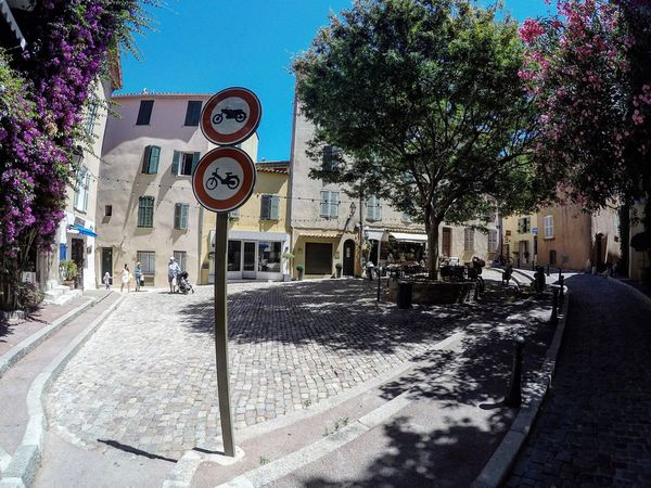 Hello World Taking Photos Village St Tropez  France 🇫🇷 Street France Streets Summer Place Jet Set Luxury