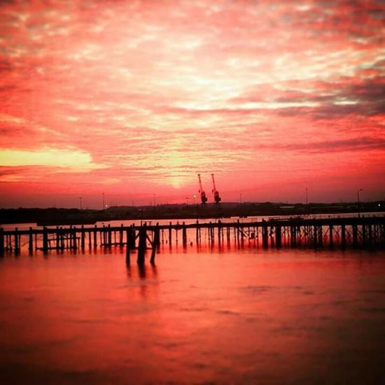 AMPt_community EyeEm Best Shots Tadaa Community RedSky Open Edit Southampton Docks Sunset #sun #clouds #skylovers #sky #nature #beautifulinnature #naturalbeauty Photography Landscape [