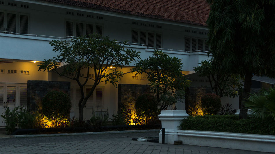 Gedung Galeri Nasional, Jakarta National Gallery Of Art Architecture Building Building Exterior Built Structure Evening Galeri Nasional Galeri Nasional Indonesia Light And Dark No People Old Building  Outdoors