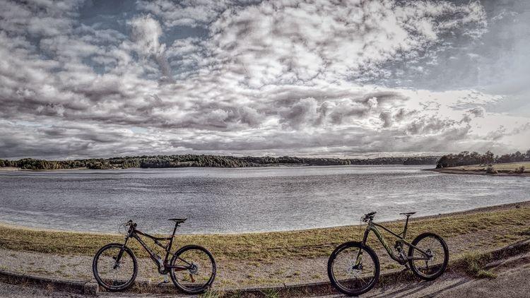 Run lac de l'eau d'heure belgium , bikes cannondale and canyon