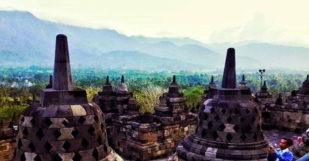 The old story !!!! UBER @geonusantara Geo011600669 Geo0033uber Lokasi:candi borobudur,jawa tengah Keluarga Geonusantara Geojabodetabek ------------------------- Candi Borobudur Old Story Jasmerah Gunung Photo Photographer Photography Landscape Beautiful INDONESIA Nusantara JAS MERAH!!!!👍 I LOVE INDONESIA👍