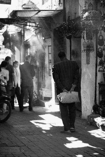 B&w Photography First Eyeem Photo EyeEmNewHere Blackandwhite B&w Exploration 50mm Streetphotography Marruecos Morocco Travel EyeEmNewHere Long Goodbye Adventures In The City