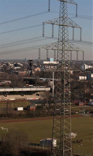 Blick Von Der Halde Rheinelbe Cable Electricity Pylon Industry Outdoors Training Zwischen Förderturm Und Strommast