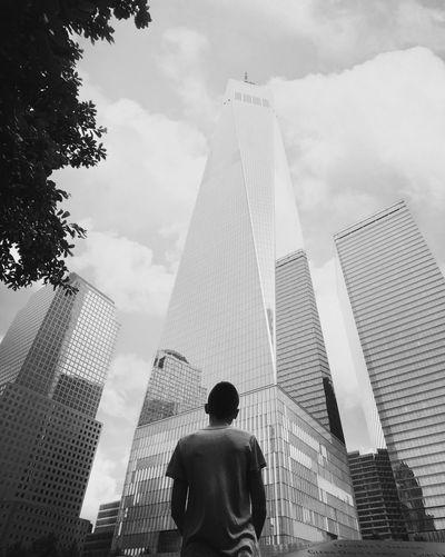 11/9 מייסטריט מיישחורלבן Newyork מייניויורק ShotOnIphone IPhoneX מייאייפון10 מייגיא Architecture Built Structure Building Exterior Rear View Low Angle View Sky Tall - High A New Beginning